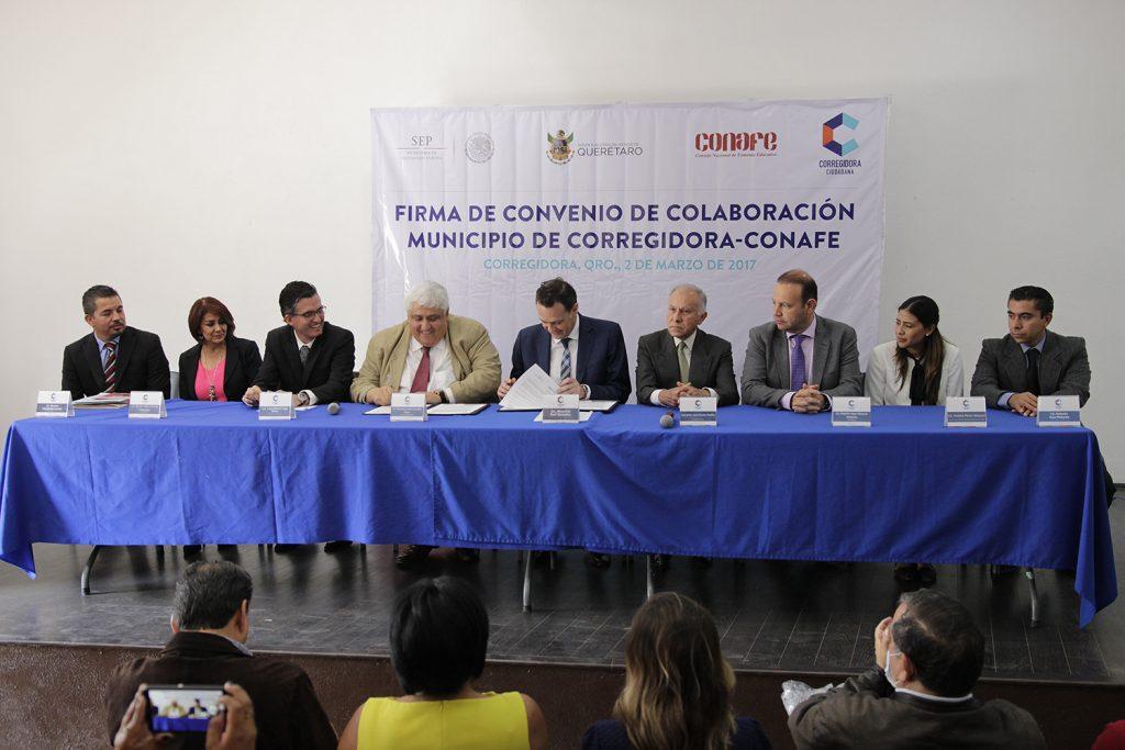 Firman Corregidora y CONAFE convenio de colaboración (1)