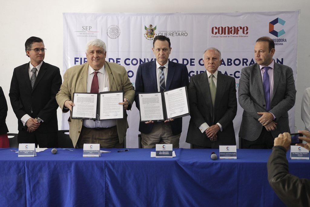 Firman Corregidora y CONAFE convenio de colaboración (2)