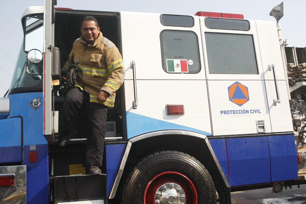 Entrega camión de bomberos (5)