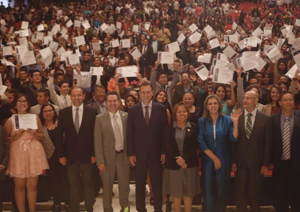 Graduación CECyTEQ (4)