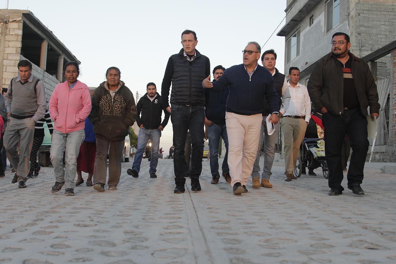 Empedrado de calles en Valle Arboledas (3)